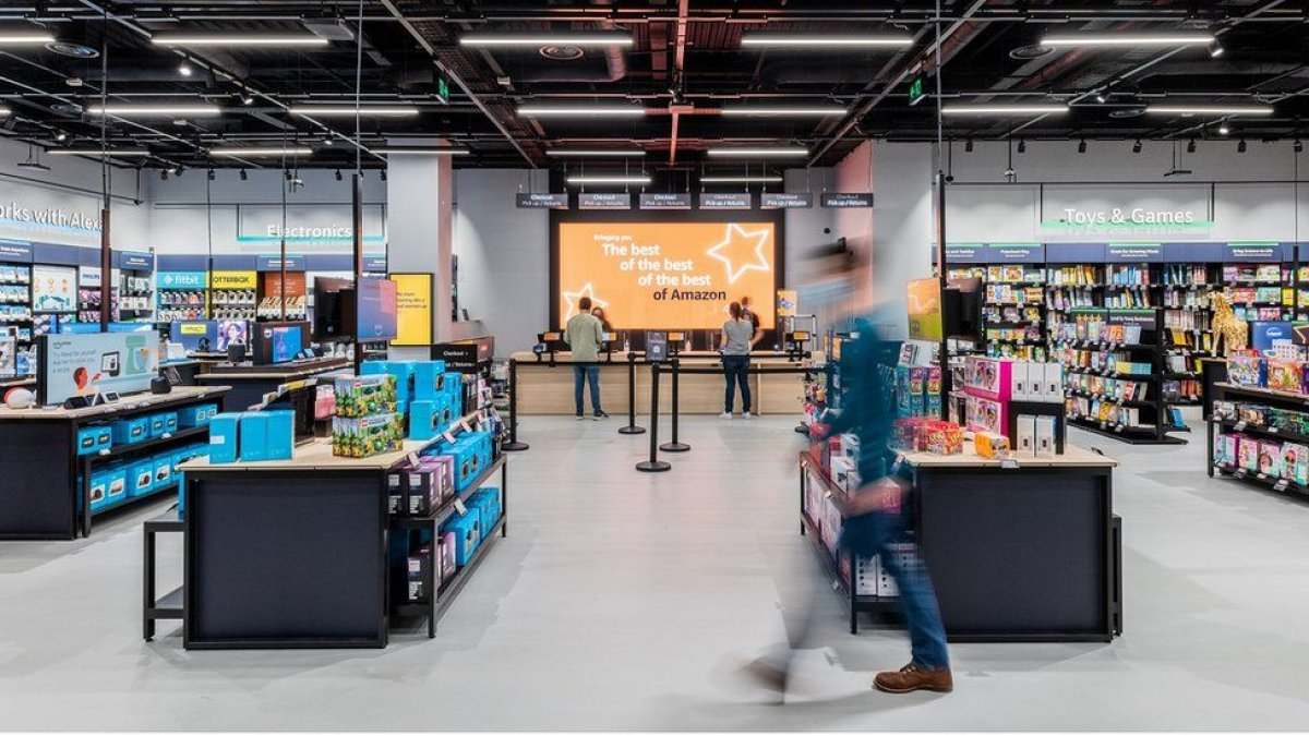 亚马逊Amazon在英国开设第一家非食品商店