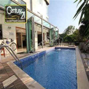 西貢複式 花園泳池 車泊門口
