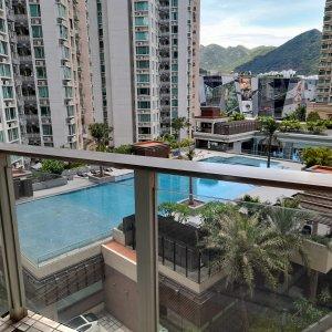 天宇海 靚直廳泳池景