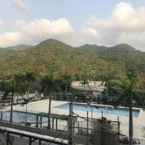 3房套待租 內園泳池景