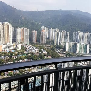香港正中心; 毗連