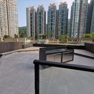 屋苑極罕巨2房巨2廳, 獨享私人花園, 擁有巨大933呎平台, 空間十足, 低於市價, 新裝有匙即睇