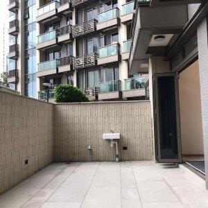 全新樓 兩房地下連大花園