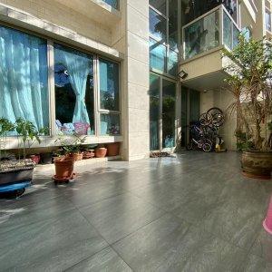 罕有[552呎專屬前後私人花園]-3房(1套房)+工人套房; 星級屋苑, 高質社區, 優質海濱生活 !