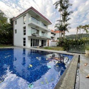 真正私家泳池,極開揚山海景緻