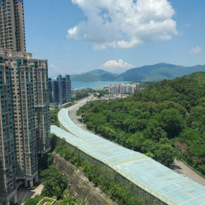 極高層翠綠山景
