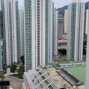 高層實用327呎兩房
