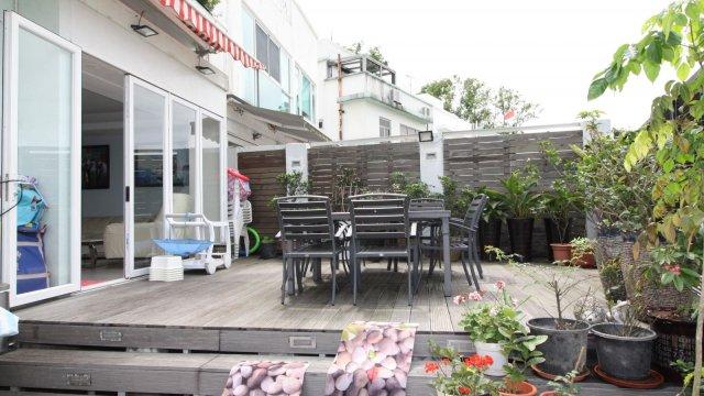 2-Storeys Sea View House
