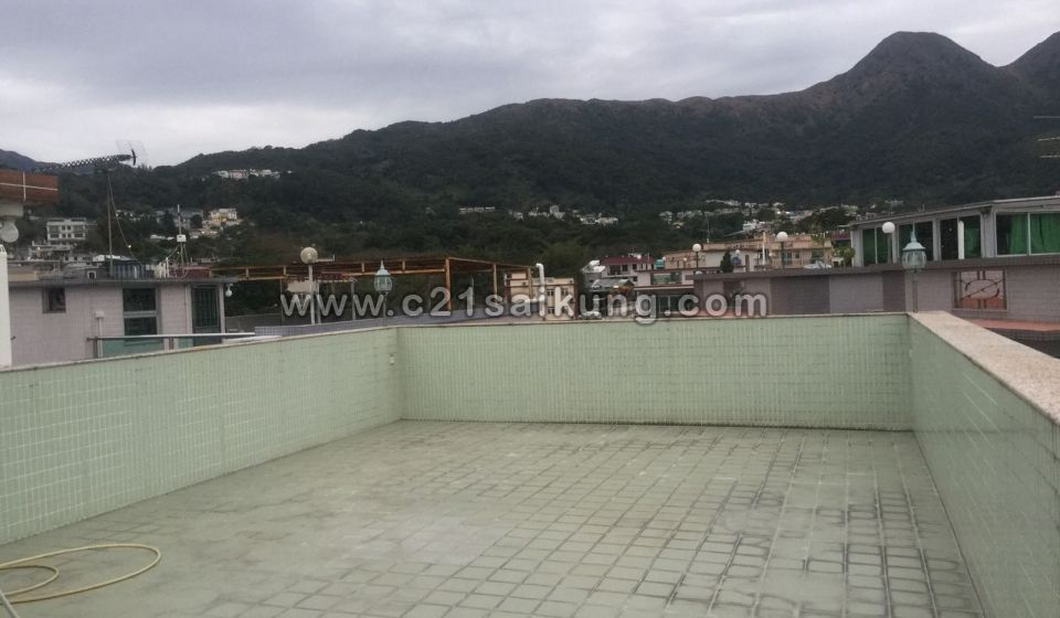 2/F PLUS ROOF, 5 MINUTES WALK TO TOWN, EXTREME RARE LISTING ON MARKET, OPEN VIEW.